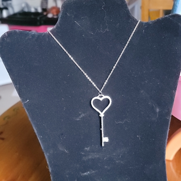 Long heart key necklace